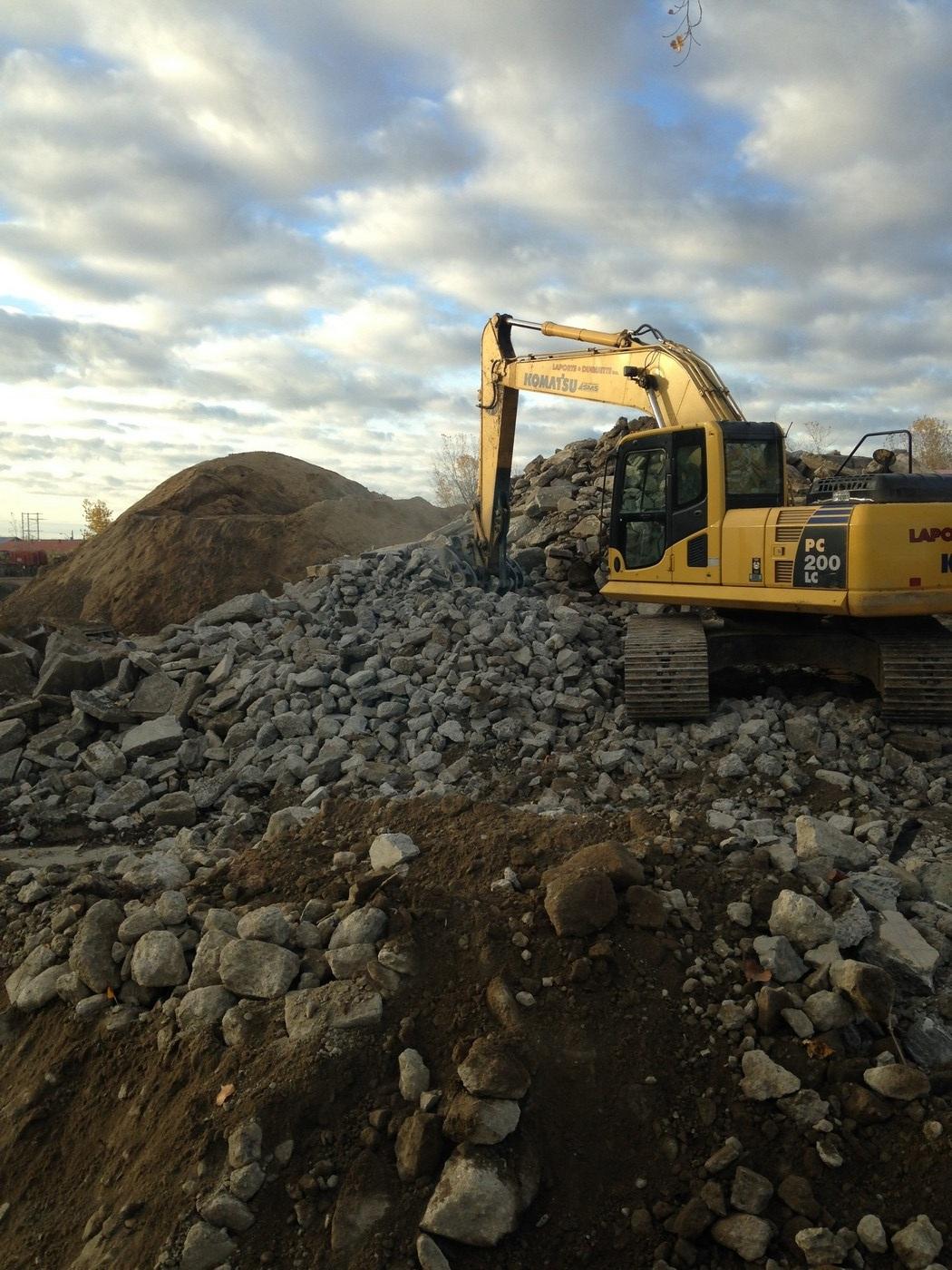 Top-soil et matériaux d'excavation